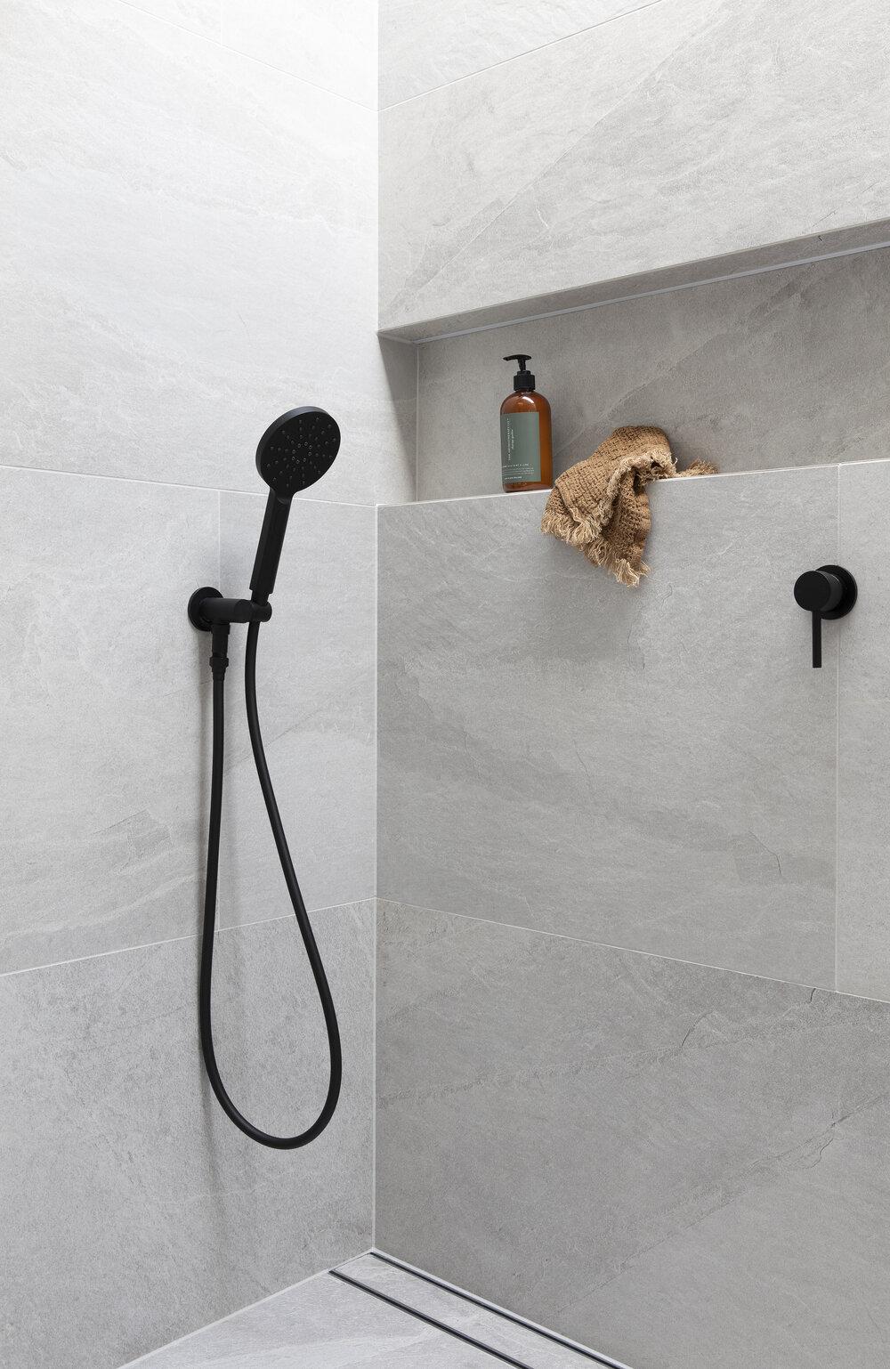 Large+tiles+shower